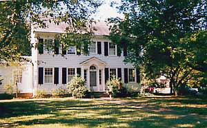 Alice Person House B&B - A colonial Bed and Breakfast located in Williamsburg, VA and a short distance from Colonial Williamsburg Historic Area and the College of William & Mary